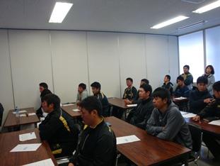 香川オリーブガイナーズ球団選手を対象に薬物乱用防止講演を開催しました